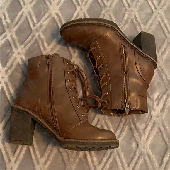 White Mountain Shoes - WHITE MOUNTAIN Brown heel boots